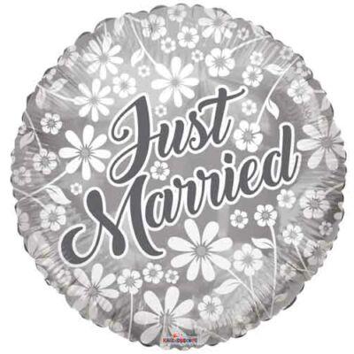 45 cm-es virágos fólia lufi 'Just Married' felirattal